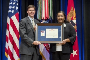 army nurse earns top valor award